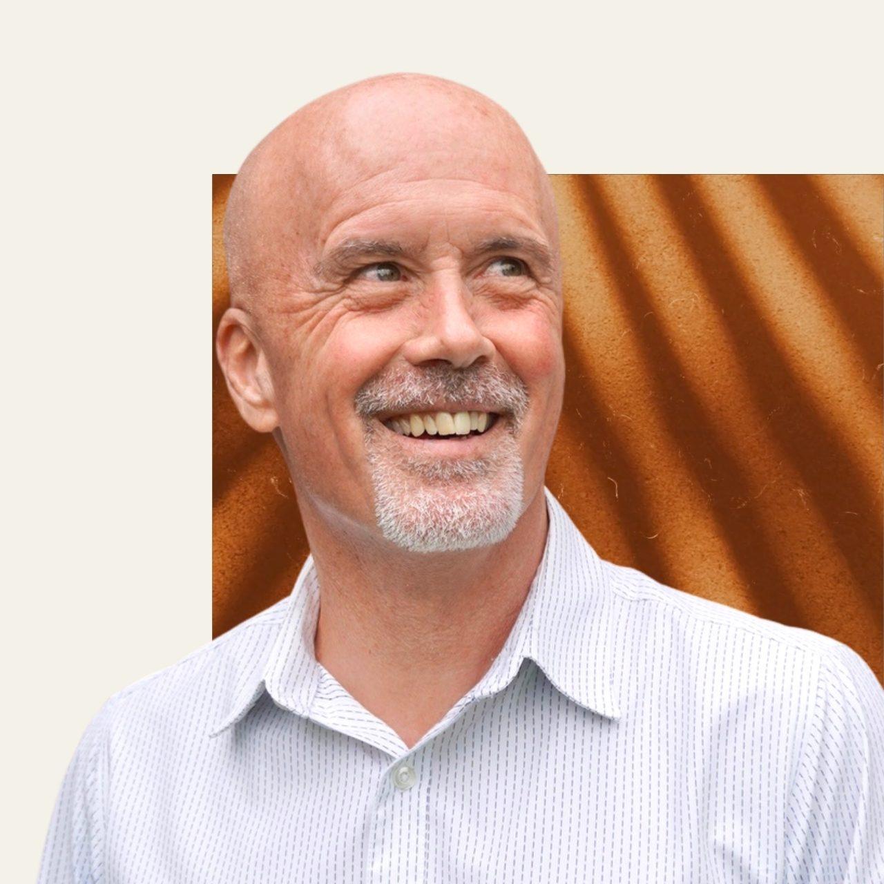 Dr. Andrés Bucksot